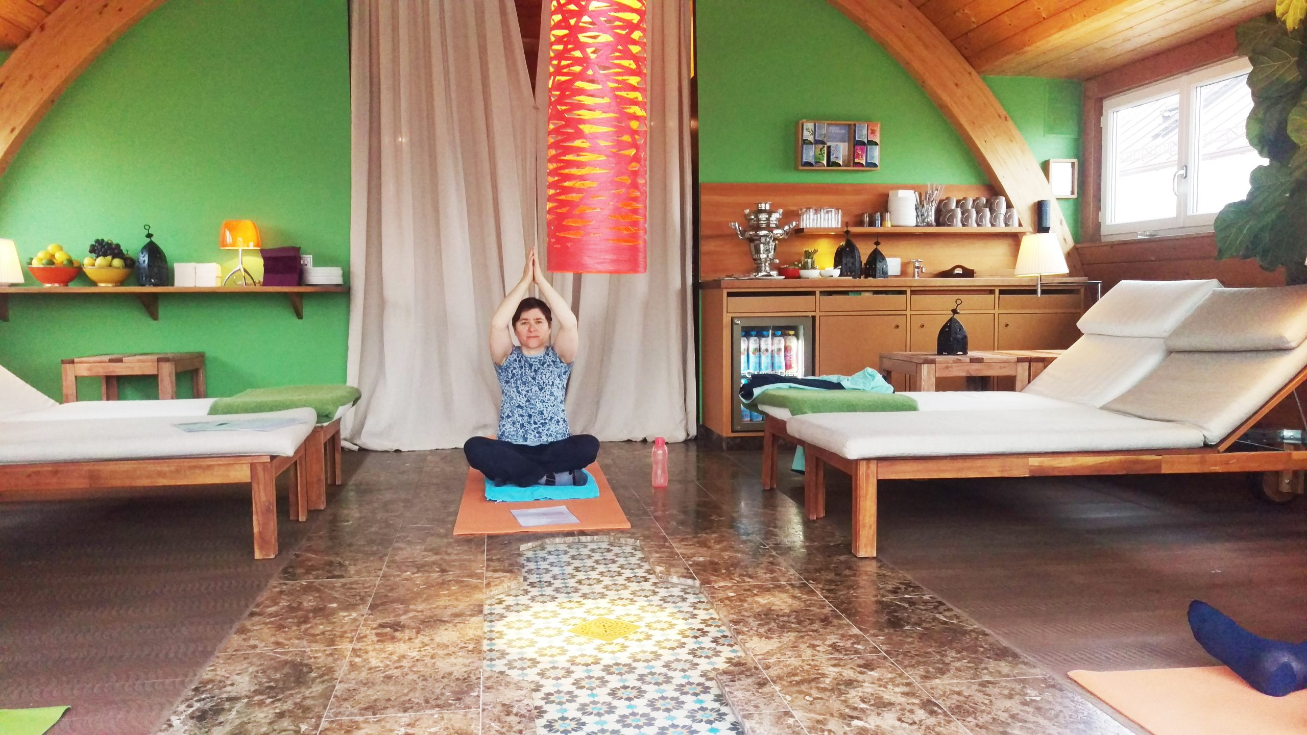 Willkommen sind alle die gern Yoga machen.
